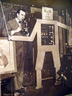 Vu -1928 Robot