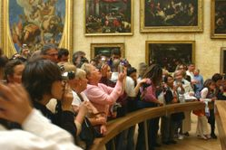 Louvre photographers