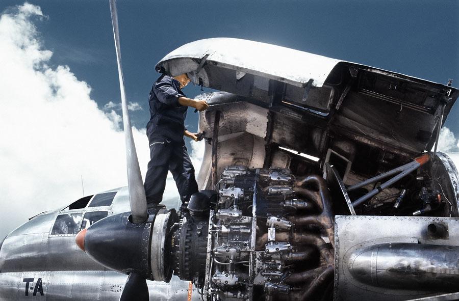 Mechanic - Engine maintenance